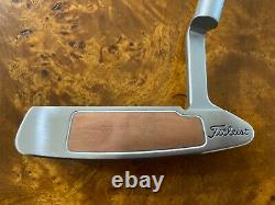 Scotty Cameron Button Back Newport II Putter With Headcover
