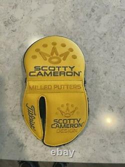 Scotty cameron phantom x 5.5 putter